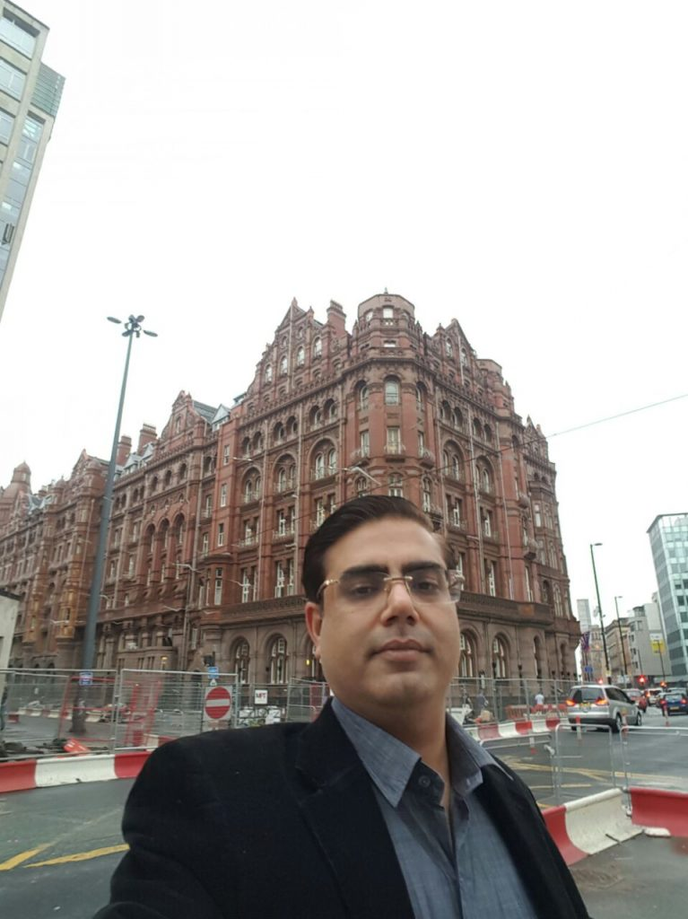 Dr Kapil at Midland Hotel